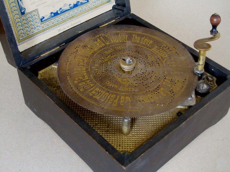 Symphonium (kleine Zungen-Spieldose) Foto: Manfred Brückels. 2005