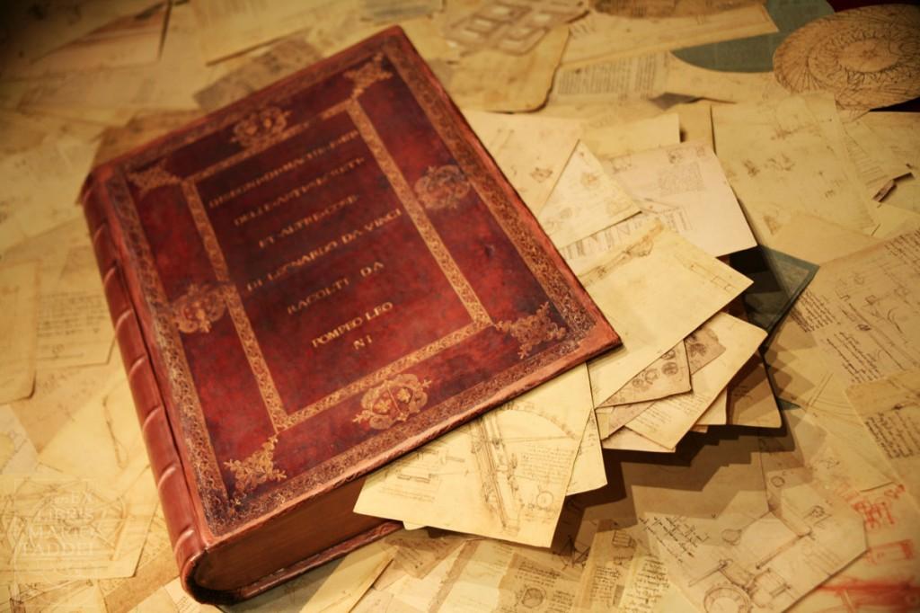 """Codex Atlanticus (1600) von Pompeo Leoni. Die Zeichnung einer """"Viola Organista"""" von Leonardo da Vinci ist in dem Codex enthalten. Foto: Mario Taddei 2007. www.mariotaddei.net"""
